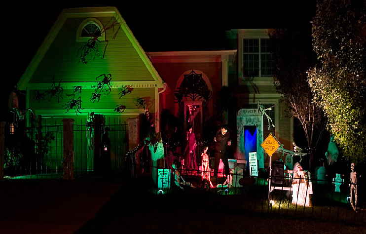 Spooky Street Kansas City Halloween Display Designed By Mark Allen